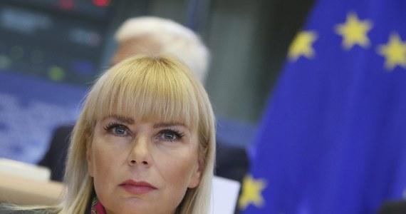 Walka z barierami na unijnym rynku usług, wspieranie konkurencyjności przemysłu i ułatwianie życia małym i średnim przedsiębiorcom - to niektóre plany polskiej kandydatki na komisarz UE Elżbiety Bieńkowskiej, którą w czwartek przesłuchały komisje PE.