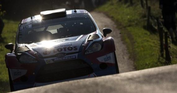 Robert Kubica (Ford Fiesta WRC) jest piąty po sześciu sobotnich odcinkach specjalnych (13 w całej imprezie) Rajdu Francji, 11. rundy mistrzostw świata. Prowadzi Fin Jari-Matti Latvala (VW Polo WRC).