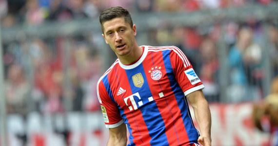 Robert Lewandowski strzelił dwie bramki dla Bayernu Monachium i pokonał Hanover 96 4:0 (3:0) w meczu siódmej kolejki niemieckiej Bundesligi. Król strzelców poprzedniego sezonu ma na koncie już cztery gole w lidze.