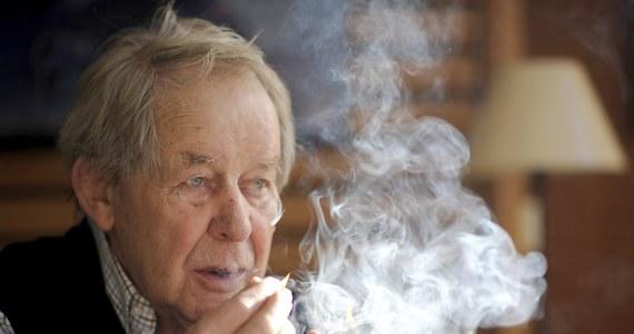 Niemiecki pisarz Siegfried Lenz zmarł w wieku 88 lat - podała agencja dpa, powołując się na wydawnictwo Hoffmann und Campe. Pochodzący z Ełku na Mazurach autor angażował się na rzecz pojednania z Polską.