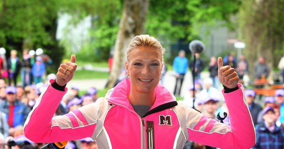 Trzykrotna mistrzyni olimpijska w narciarstwie alpejskim Maria Hoefl-Riesch będzie w tym sezonie ekspertką niemieckiej telewizji. Jedna z najlepszych zawodniczek w historii pół roku temu przeszła na sportową emeryturę.