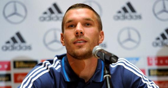 """""""Dla nas liczą się wyłącznie trzy punkty i po to tutaj przyjechaliśmy. Chcę strzelić gola, ale jak mi się uda, to nie będę świętować"""" – mówił na konferencji przed sobotnim meczem Polska-Niemcy piłkarz Arsenalu Londyn Lukas Podolski. """"Na boisku zrobię wszystko, by pomóc Niemcom w triumfie. Nie przyjechałem tutaj, by rozdawać prezenty"""" – zastrzegł."""