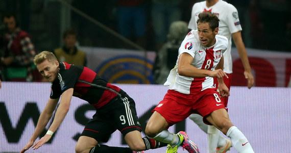 """""""Żeby zrealizować cel, jakim jest awans do mistrzostw Europy, mecze u siebie trzeba wygrywać. Niezależnie od tego, czy za rywali ma się Niemców, czy inny zespół. W ten sposób trzeba podchodzić do tych spotkań. Według mnie jeszcze trudniejszy i ważniejszy mecz czeka nas ze Szkotami"""" - powiedział Grzegorz Krychowiak, który mimo że nie ukrywa satysfakcji po sobotnim zwycięstwie nad Niemcami 2:0, to trudniejszego meczu spodziewa się we wtorek, kiedy rywalami biało-czerwonych będą Szkoci."""