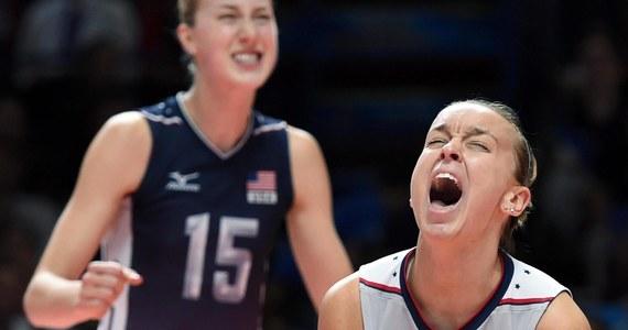 Siatkarki USA po raz pierwszy w historii zdobyły złoty medal mistrzostw świata. W Mediolanie pokonały Chinki 3:1 (27:25, 25:20, 16:25, 26:24). Polki nie awansowały do tego turnieju.