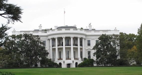 Co najmniej 38 spośród 66 ludzi wydalonych od roku 1979 z USA w związku z zarzutami udziału w niemieckich zbrodniach wojennych otrzymywało nadal amerykańskie państwowe emerytury. Takie informacje ujawniła agencja AP.