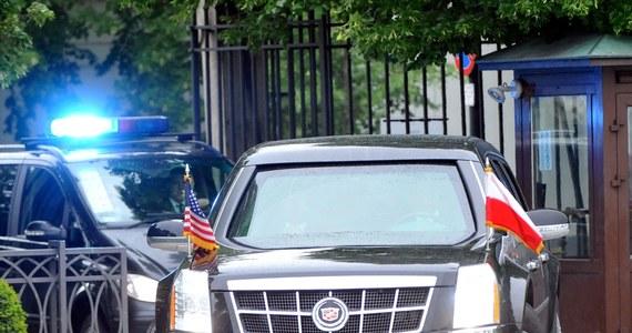 Naganę dostał wysoki rangą oficer komendy stołecznej policji, który podczas wizyty prezydenta USA Baracka Obamy w jednostce pił alkohol - dowiedział się reporter RMF FM Krzysztof Zasada. Formalnie zakończyło się postępowanie dyscyplinarne przeciwko zastępcy szefa wydziału terroru kryminalnego i zabójstw.