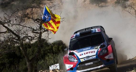 Robert Kubica (Ford Fiesta WRC) na ostatnich kilometrach 11. odcinka specjalnego Rajdu Hiszpanii, przedostatniej rundy samochodowych mistrzostw świata, wypadł z trasy, urwał koło i nie był w stanie dojechać do mety.
