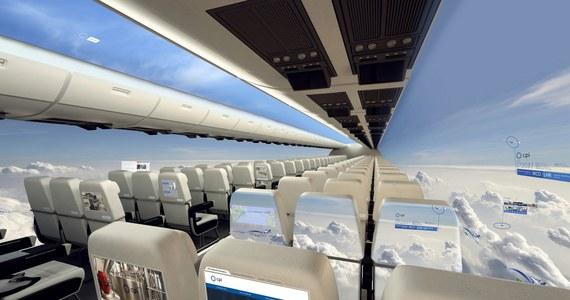 Malutkie okna w samolotach wkrótce mogą odlecieć w przeszłość. Brytyjska firma pracuje nad innowacyjnym pomysłem. Chce wprowadzić kadłuby bez okien, za to z elastycznymi ekranami OLED, które miałyby otaczać cały samolot.