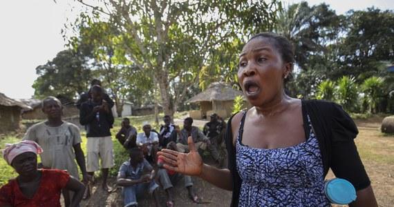 """Dwuletnia dziewczynka, która zaraziła się ebolą w Gwinei, """"przywiozła"""" chorobę do Mali. Służby obliczają, że mogła mieć kontakt z 141 osobami. Miejsca pobytu 57 z nich nie udało się ustalić."""