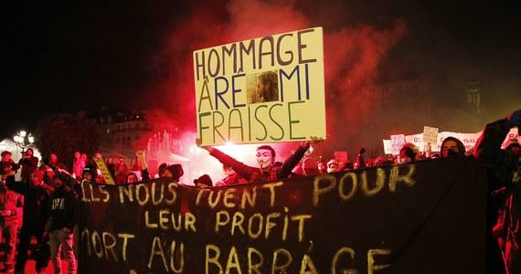 Co najmniej 34 osoby aresztowane, kilkadziesiąt rannych – tak zakończyły się wczorajsze demonstracje w Nantes i Tuluzie. Zorganizowano je tydzień po śmierci młodego ekologa, który zginął w starciach z siłami porządkowymi w czasie protestu przeciwko budowie tamy w południowej Francji.