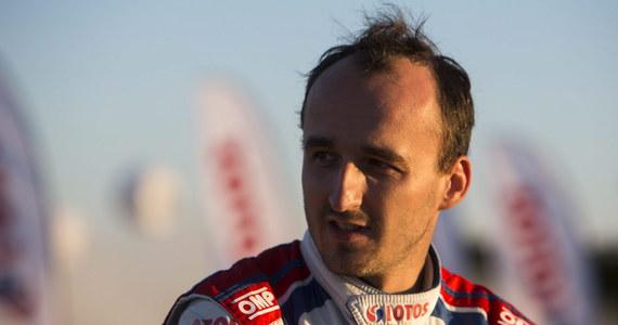 """""""Pracujemy nad przyszłością Roberta, więc w tej chwili każdy scenariusz jest możliwy"""" - mówi RMF FM polski menadżer Roberta Kubicy Marcin Czachorski. To odpowiedź na doniesienia zazwyczaj dobrze poinformowanego """"Autosportu"""", który pisał wczoraj o braku jakiejkolwiek propozycji dla naszego kierowcy z zespołów rajdowych mistrzostw świata WRC."""