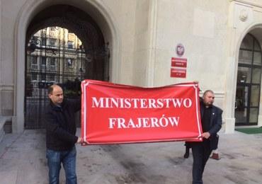 """""""Ministerstwo frajerstwa"""". Rolnicy protestują"""