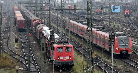 Najdłuższy w historii niemieckiej kolei strajk rozpocznie się dziś o godz. 15 - wtedy staną pociągi towarowe. O drugiej nad ranem w czwartek unieruchomione zostaną także składy osobowe.