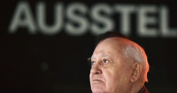 """Dopóki """"Niemcy i Rosjanie rozumieją się i pozostają przyjaciółmi, tak długo w Europie panuje spokój"""" - mówił w Berlinie Ostatni przywódca ZSRR Michaił Gorbaczow. Polityk spotkał się z mieszkańcami stolicy Niemiec z okazji 25. rocznicy upadku muru berlińskiego."""