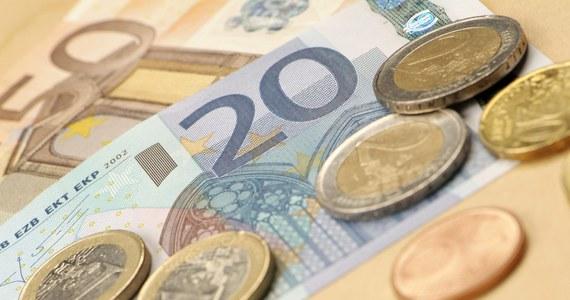 Komisja Europejska zaproponowała przyznanie Polsce 1,2 mln euro z Europejskiego Funduszu Dostosowania do Globalizacji (EFG). Ma to pomóc w znalezieniu zatrudnienia 777 pracownikom, którzy zostali zwolnieni przez Fiat Auto Poland.