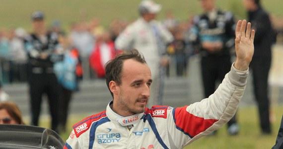 Robert Kubica z pilotem Maciejem Szczepaniakiem uzyskali czwarty czas na odcinku testowym przed Rajdem Wielkiej Brytanii, ostatnią rundą tegorocznych mistrzostw świata. Najszybszy był Norweg Andreas Mikkelsen (VW Polo WRC).