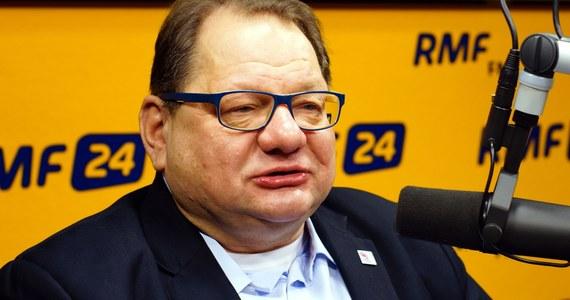 """""""Nie mam pojęcia, co się stało Millerowi. Bardzo proszę nie łączyć mnie z tym, co w ostatnich dniach robił"""" - mówi Ryszard Kalisz w Kontrwywiadzie RMF FM o współpracy szefa SLD i Jarosława Kaczyńskiego. """"Łapię się za głowę, jak mogło mu to przyjść do głowy, żeby poprzeć antysystemowy pomysł Kaczyńskiego"""" - dodaje."""