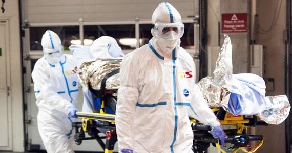 Do Rzymu przyleciał z Sierra Leone pierwszy Włoch zarażony wirusem ebola. Samolot z lekarzem, który opiekował się Afryce chorymi, wylądował na lotnisku wojskowym w pobliżu włoskiej stolicy.