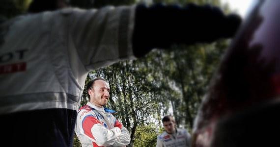 Robert Kubica jadący Fordem Fiestą WRC jest drugi po siedmiu odcinkach specjalnych Rally Monza Show. Prowadzi Włoch Valentino Rossi (Ford Fiesta WRC). Impreza jest rozgrywana na terenie jednego z najbardziej znanych torów wyścigowych w Europie.