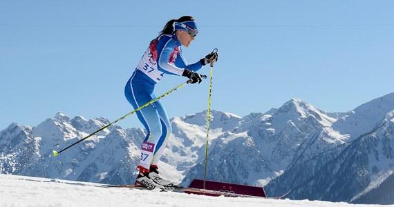 Fińska rywalka Justyny Kowalczyk Aino-Kaisa Saarinen nie wystartuje w najbliższy weekend w zawodach Pucharu Świata w Lillehammer. Biegaczka zdecydowała się uczestniczyć w tym czasie w balu z okazji święta niepodległości w pałacu prezydenckim w Helsinkach.