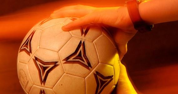 UEFA zabroniła krymskim klubom udziału w rozgrywkach organizowanych przez Rosyjską Federację Piłkarską. W sierpniu RFU podjęła decyzję o zapisaniu do rodzimej ligi zespołów z zaanektowanego przez Rosję Krymu.