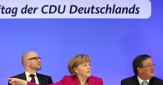 Angela Merkel nie zmieni swojej polityki wobec Rosji. Kanclerz w wywiadzie dla telewizji ARD powiedziała, że nie zaakceptuje aneksji Krymu i że nadal liczy na dyplomatyczne rozwiązanie konfliktu.