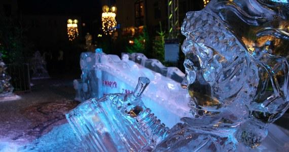 W Olsztynie rozpoczął się szósty Jarmark Świąteczny. Tradycyjnie największym zainteresowaniem cieszy się park rzeźb z lodu.