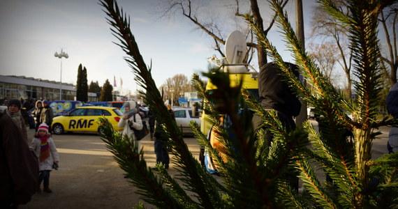 Choinkowy konwój RMF FM dotarł do Szczecina! Pachnące drzewka będą na Was czekać na Placu Lotników. Będziecie też mogli wziąć udział w naszym konkursie karaoke! Zapraszamy!
