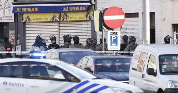 Belgijska policja przypuściła szturm na mieszkanie w Gandawie, w północno-zachodniej Belgii, po tym jak uzbrojeni ludzie wzięli tam zakładnika. Ofiara jest cała i zdrowa, trzech mężczyzn aresztowano - podała rzeczniczka prokuratury.