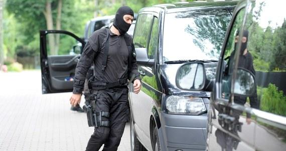 """To miały być zamachy na kościoły lub na dużą imprezę sylwestrową w jednym z hoteli. Były szef ABW ujawnia więcej szczegółów z akcji """"Miecz"""" z 2003 roku. W jej wyniku udaremniono ataki terrorystyczne, planowane przez islamskich fundamentalistów na terenie naszego kraju."""