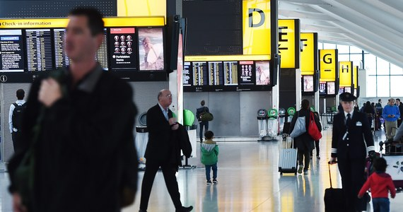 Przedświąteczny paraliż grozi największym brytyjskim lotniskom. Pracownicy naziemni portów Heathrow, Gatwick i Manchester zagłosowali za strajkiem 23-24 grudnia. Daty te wybrane zostały celowo, by spowodować największe utrudnienia lotów. W tych dniach brytyjskie lotniska pękają w szwach.