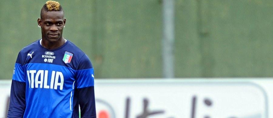 Mario Balotelli został oficjalnie zawodnikiem AC Milan. Piłkarz trafił na roczne wypożyczenie z Liverpoolu. 25-letni napastnik rok temu grał w AC Milan, jednak przeszedł wtedy do Liverpoolu za 25 milionów euro.