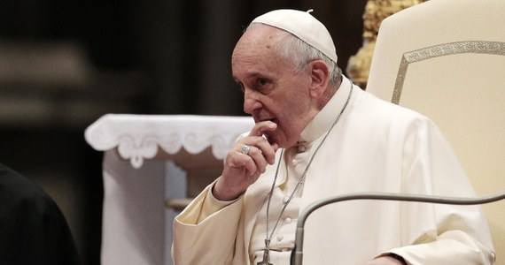 """Papież Franciszek spotkał się w bazylice świętego Piotra z przedstawicielami włoskiego sportu - olimpijczykami i działaczami krajowego Komitetu Olimpijskiego. Zwracając się do setek sportowców i członków włoskiego Komitetu Olimpijskiego Franciszek powiedział: """"Życzę powodzenia kandydaturze Rzymu, ubiegającego się o przyznanie organizacji igrzysk w 2024 roku, ale mnie nie będzie""""."""