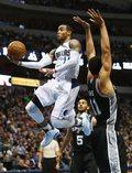 NBA - debiut Rondo w Mavericks, czwarta porażka z rzędu Spurs