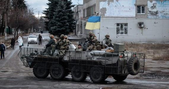 Władze Ukrainy i przedstawiciele prorosyjskich separatystów dokonali wymiany jeńców - poinformowały obecne na miejscu rosyjskie media. Po kilku godzinach wiadomość potwierdzili przedstawiciele władz w Kijowie.