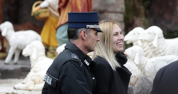 Z aresztu w Watykanie zwolniono ukraińską aktywistkę feministycznego ruchu Femen, która w pierwszy dzień świąt próbowała wykraść figurkę Dzieciątka Jezus z szopki na placu Świętego Piotra. W areszcie pozostaje Włoch, który  wspiął się na fasadę bazyliki.