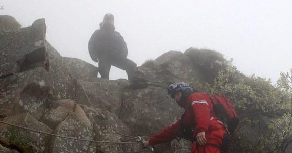 Życie 28-letniego turysty z Mysłowic, którego GOPR odnalazło na Babiej Górze, wciąż jest zagrożone. Mężczyzna jest nieprzytomny. Turysta przebywa w krakowskim Centrum Leczenia Hipotermii Głębokiej.