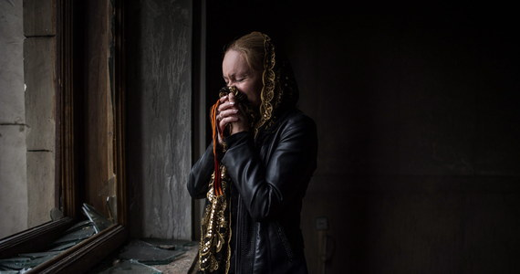 """""""Zrobione zostanie wszystko, aby akcja ewakuacji osób pochodzenia polskiego z Donbasu, która dotyczyć może 205 osób, przeprowadzona została w styczniu"""" - oświadczył szef MSZ Grzegorz Schetyna. Pierwotnie do transportu miało dojść wczoraj, termin został jednak przełożony. To dla Polaków z Ukrainy ogromny problem. Teraz muszą liczyć na pomoc organizacji charytatywnych i kościoła."""