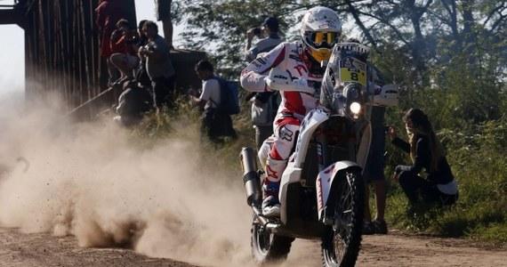 Motocyklista Jakub Przygoński zajął 22. miejsce na drugim etapie 37. Rajdu Dakar. Na trasie z Villa Carlos Paz do San Juan, gdzie zawodnicy mieli do pokonania 518 km odcinka specjalnego, najszybszy był Hiszpan Joan Barreda.