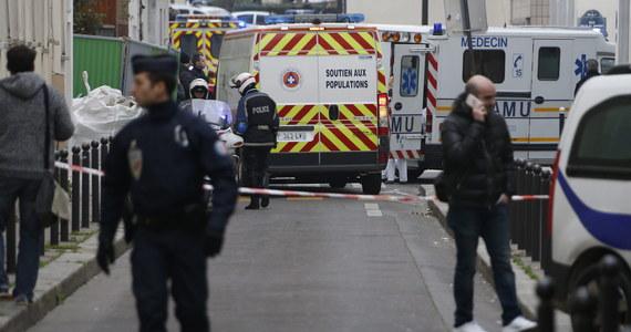 """Jeden z policjantów, który wczoraj został zastrzelony w czasie ataku na siedzibę satyrycznego tygodnika """"Charlie Hebdo"""", był muzułmaninem. O tej tragicznej ironii pisze amerykański portal """"The Daily Callar""""."""