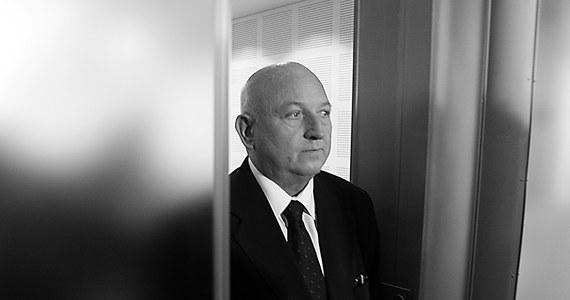 Mam dramat sumienia z Józefem Oleksym - powiedział Lech Wałęsa na wiadomość o śmierci byłego premiera i marszałka Sejmu. Były prezydent wyjaśnił, że nie zdążył przeprosić Oleksego za oskarżenia o działalność agenturalną.