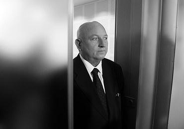 Józef Oleksy nie żyje. Wałęsa prosi go o wybaczenie