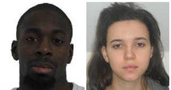 Poszukiwana przez policję Hayat Boumeddiene, partnerka terrorysty Amedy Coulibaly'ego, zastrzelonego po policyjnej obławie, mogła już jakiś czas temu wyjechać do Turcji i prawdopodobnie była tam, gdy Coulibaly wziął zakładników w sklepie koszernym w Paryżu - podała agencja AFP powołując się na źródło w policji. W czwartek Coulibaly zastrzelił policjantkę w Montrogue na przedmieściach Paryża. Boumeddiene poszukiwano w związku z jej domniemaną rolą w strzelaninie.