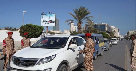 Co najmniej siedem osób zginęło w podwójnym, samobójczym zamachu bombowym dokonanym w kawiarni w Trypolisie na północy Libanu. Rannych jest około 20 osób. Zamachu dokonano w dzielnicy Dżabal Mohsen, w większości zamieszkanej przez alawitów.