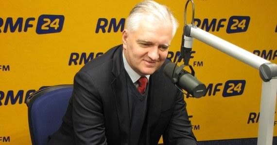 """""""To, co proponuje rząd, to nie jest żadna reforma. To jest likwidacja kopalń, które mogą być dochodowe"""" - mówi prezes Polski Razem i były minister sprawiedliwości Jarosław Gowin w Kontrwywiadzie RMF FM. """"To mglista perspektywa, że pozostałych 10 kopalń będzie utrzymywanych"""" - dodaje. Według Gowina restrukturyzacja górnictwa to """"bardziej wizerunkowe zagranie, niż obliczone na osiągnięcie efektów""""."""