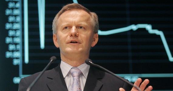 """""""Możemy uratować 4-5 tysięcy miejsc pracy"""" - mówi w RMF FM biznesmen Krzysztof Domarecki. Ten właściciel chemicznej spółki giełdowej Selena FM złożył ofertę na zakup trzech przeznaczonych do likwidacji kopalń Kompanii Węglowej. Chodzi o zakłady Brzeszcze, Sośnica-Makoszowy i Bobrek-Centrum. """"To jest absolutnie projekt wieloletni"""" - dodaje. """"Tego się nie da rozwiązać w krótkim okresie. Ja jestem znany z tego, że jestem zwolennikiem patriotyzmu gospodarczego i wolę raczej, żeby to było w polskich rękach. Zwłaszcza, jeśli mówimy o surowcach"""" - mówi Domarecki."""