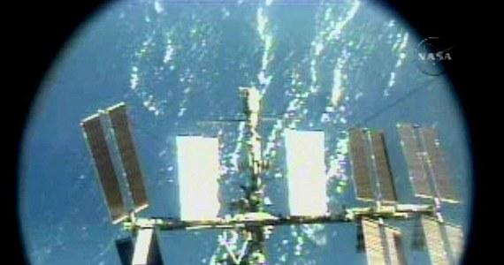 W amerykańskim segmencie Międzynarodowej Stacji Kosmicznej (ISS) doszło do wycieku szkodliwych substancji. Ewakuowano znajdujący się tam personelu - poinformowała rosyjska agencja kosmiczna Roskosmos. NASA zaprzeczyła jednak, że w amerykańskim segmencie ISS doszło do wycieku.