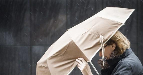 Piątek prawie w całym kraju pogodny i ciepły jak na styczeń. Miejscami termometry pokażą około 9 stopni C. Pogoda zmieni się w weekend. W sobotę będzie padać, a w niedzielę ochłodzi się.