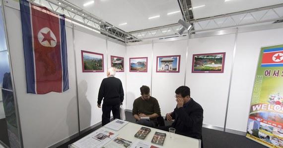 Korea Północna próbuje sprzedać wędrówki górskie, plaże oraz zabytki - jako głównego atrakcje tego kraju - podczas trwających targów turystycznych w Szwajcarii.