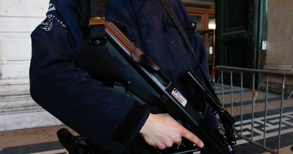 """Zagraniczne służby wywiadowcze ostrzegły władze Niemiec przed niebezpieczeństwem zamachów terrorystycznych na cele w tym kraju, w tym na dworce kolejowe w Berlinie i Dreźnie. O sprawie pisze tygodnik """"Der Spiegel""""."""
